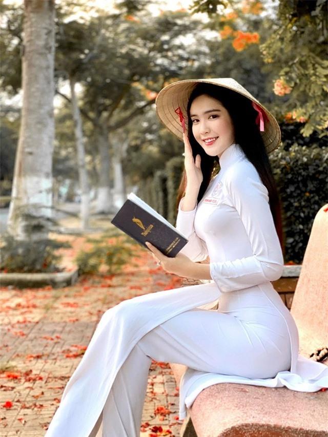 Hot girl được báo Trung Quốc khen ngợi đẹp dịu dàng mùa chia tay mái trường - 2