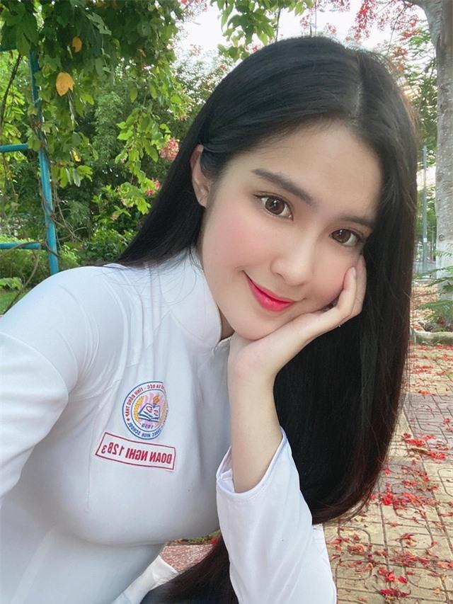 Hot girl được báo Trung Quốc khen ngợi đẹp dịu dàng mùa chia tay mái trường - 5