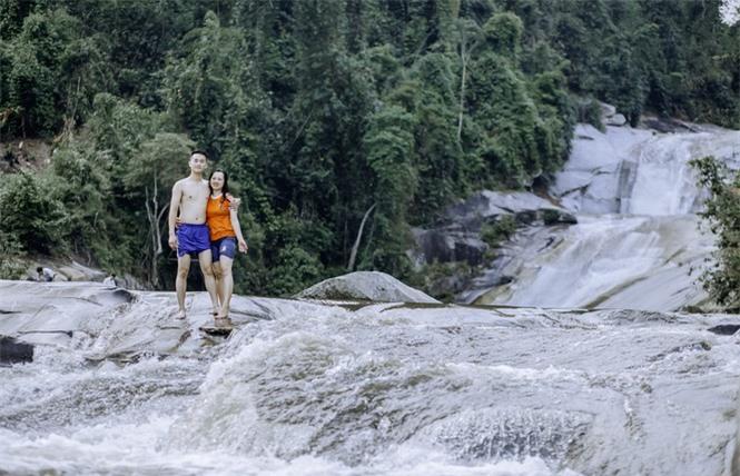Kỳ vĩ quần thể thác Bảy tầng ở biên giới Việt - Lào - ảnh 4