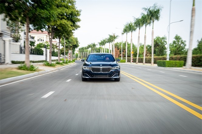 Ngắm nhìn sedan đắt giá nhất của BMW ở Việt Nam - ảnh 2