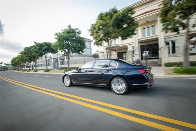 Ngắm nhìn sedan đắt giá nhất của BMW ở Việt Nam - ảnh 4