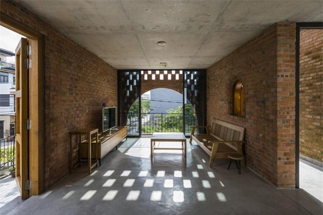 Ngôi nhà gạch thô đẹp lạ lấy cảm hứng từ chiếc đồng hồ Cuckoo - ảnh 5
