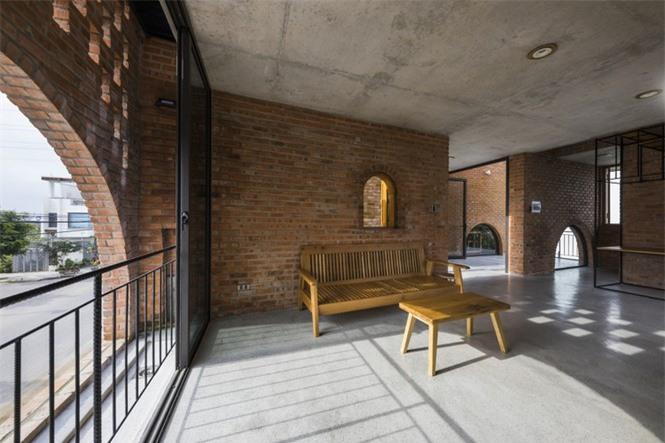 Ngôi nhà gạch thô đẹp lạ lấy cảm hứng từ chiếc đồng hồ Cuckoo - ảnh 7