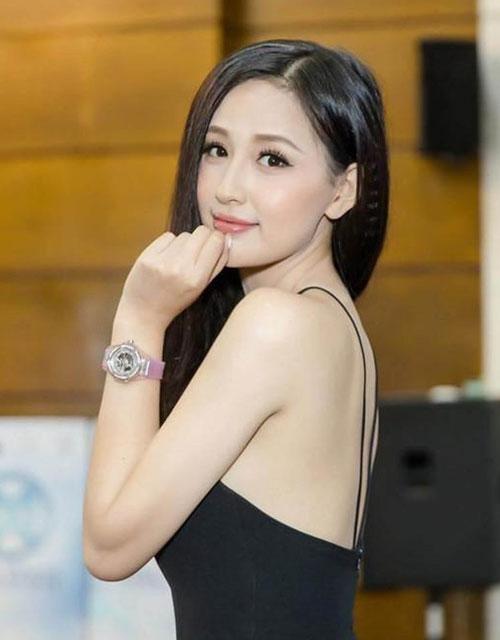 Mai Phương Thúy chơi đồng hồ hàng hiệu nổi tiếng showbiz Việt.
