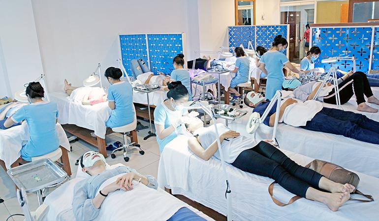 Phòng khám O2 Skin trước nay được rất nhiều khách hàng tìm đến điều trị về da liễu.