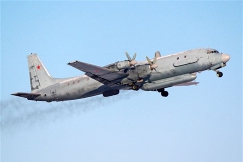Israel tiep tuc gai bay de Syria ban may bay Nga