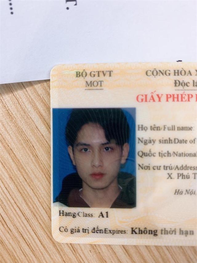 """Nam sinh trường Y được mệnh danh là """"hot boy ảnh thẻ bằng lái"""" - 1"""