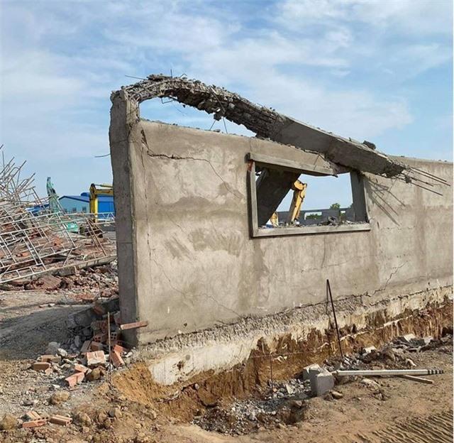 Vụ sập công trình ở Đồng Nai: 10 người chết, 14 người đang điều trị ở bệnh viện - Ảnh 1.
