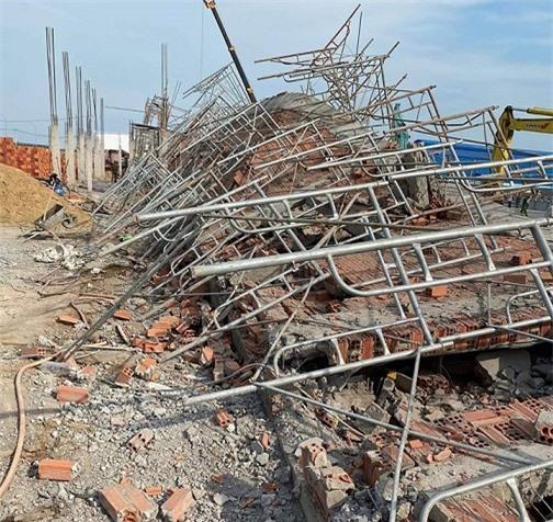Vụ sập công trình ở Đồng Nai: 10 người chết, 14 người đang điều trị ở bệnh viện - Ảnh 2.