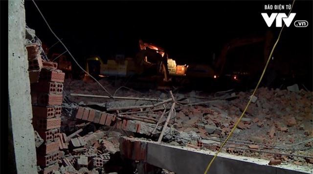 Vụ tai nạn nghiêm trọng ở Đồng Nai: Chưa thể khẳng định không còn nạn nhân dưới đống đổ nát  - Ảnh 3.