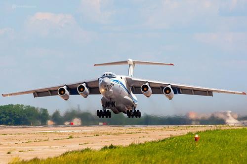 Bệnh viện bay của Nga được hoán cải từ khung thân một vận tải cơ Il-76. Ảnh: Sputnik.