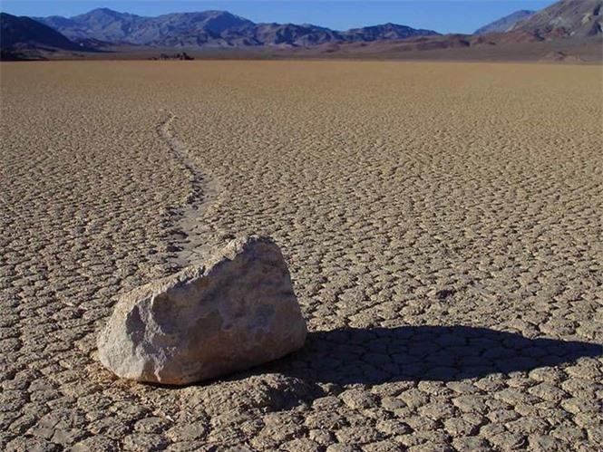1001 thắc mắc: Thung lũng Chết nằm ở đâu, có điều gì lạ kỳ nhất thế giới? - ảnh 2