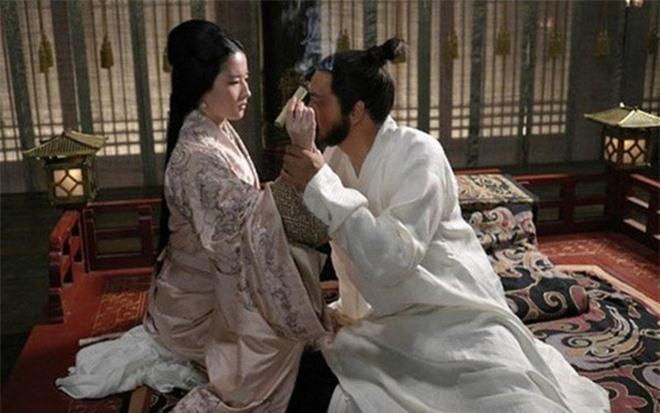 Dù khét tiếng toan tính, đa nghi, ít ai biết Tào Tháo suýt mất cơ đồ vì 2 người phụ nữ này - Ảnh 2.