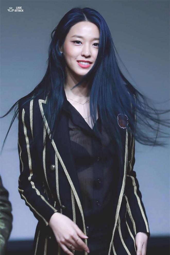 10 màn lột xác đỉnh nhất Kpop của idol nữ: 2 thần tượng bị chê xấu nhất Kpop đổi đời, Suzy - IU thành siêu sao hậu giảm cân - Ảnh 8.
