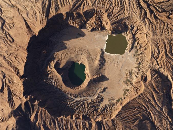 9 ho mieng nui lua dep nhat the gioi hinh anh 7 Jebel_Marra_Volcano_Sudan_by_Planet_Labs.jpg