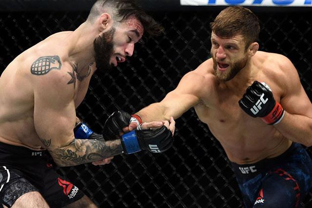 Cú ra đòn giúp Calvin Kattar giành chiến thắng knock-out tại sự kiện UFC 249 diễn ra vào hôm 10/5 vừa qua.