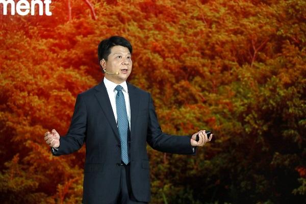 Ông Guo Ping, đại diện của Huawei lên tiếng phản đối chính sách mới của Mỹ nhắm vào công ty này.