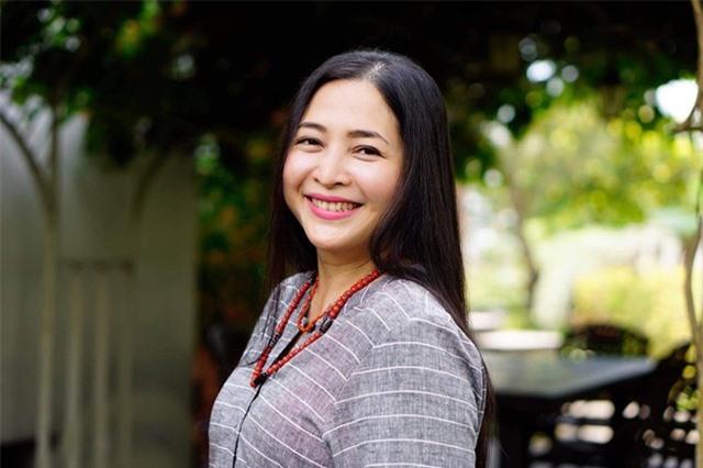 """MC Quỳnh Hương: """"Ông xã là """"hoa tiêu"""" của đời mình"""" - 4"""