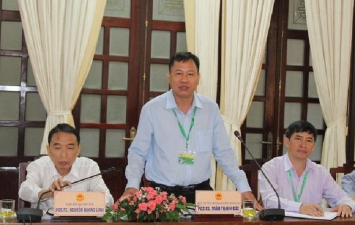 PGS-TS Trần Thanh Đức, Hiệu trưởng Trường Đại học Nông Lâm Huế phát biểu tại buổi làm việc