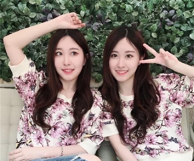 2-cap-song-sinh-xinh-dep-ngoisaovn-w850-h704 4