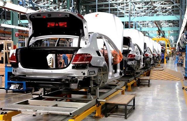 Giảm lệ phí trước bạ, khách hàng mua xe có thể hưởng lợi tối đa đến 300 triệu đồng - Ảnh 1.