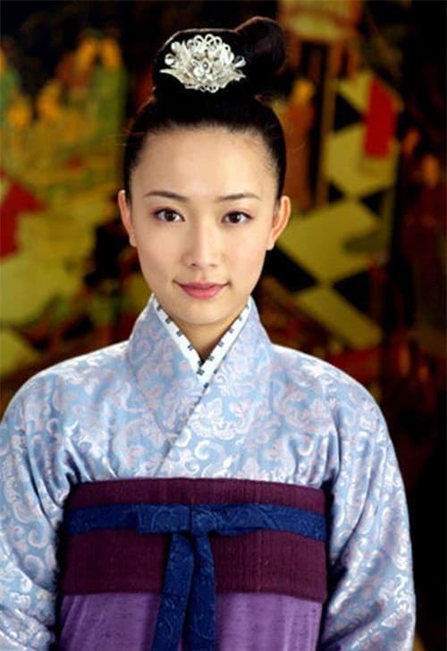Hoàng hậu độc ác của Hoàn Châu cách cách: Người phụ nữ tài ba bị con gái 'chối bỏ', mang tiếng ác suốt 20 năm 9