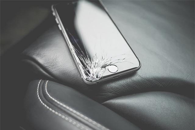 Smartphone ngày càng mạnh nhưng độ bền ngày càng kém - 3