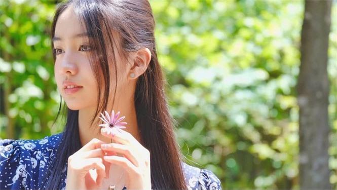 Vẻ đẹp trong veo như nàng thơ của người mẫu 17 tuổi Nhật Bản - ảnh 1