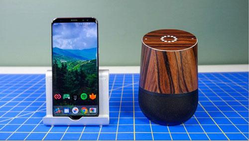 """Google Home từ điện thoại Android. Hãy chuẩn bị một smartphone hệ điều hành Android từ 4.4 trở lên để kích hoạt """"OK, Google"""", một chiếc loa Bluetooth và kết nối chúng với nhau. Bạn có thể sử dụng rất nhiều chức năng hữu ích từ hệ thống này như trả lời câu hỏi, đặt báo thức, cập nhật tin tức, phát nhạc…tương tự như Google Assistant. Ảnh: Cnet."""