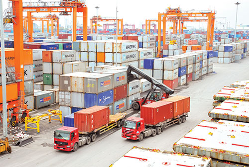 Xuất khẩu sụt giảm, Việt Nam nhập siêu gần 1 tỷ USD nửa đầu tháng 5 (Ảnh Internet)