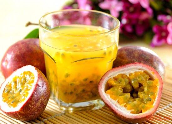 Nước chanh leo là thức uống giải khát mùa hè được nhiều người yêu thích.
