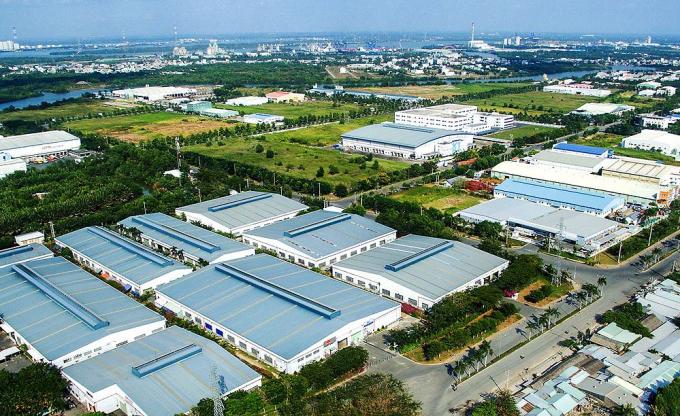 Tạo quỹ đất thu hút đầu tư vào các khu chế xuất, khu công nghiệp.