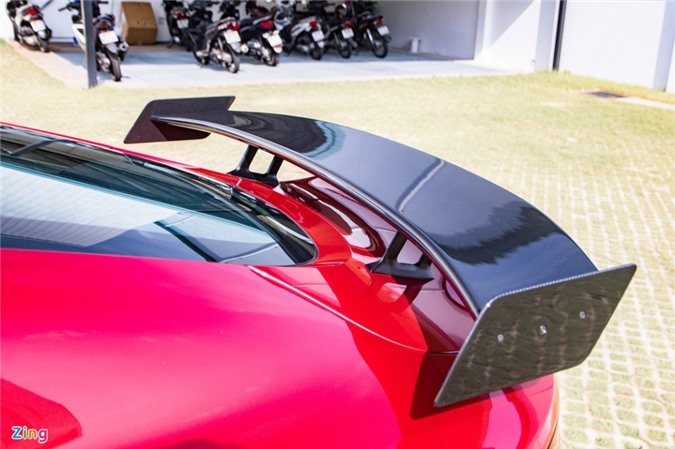 Aston Martin Vantage với bộ kit xe đua tại Việt Nam ảnh 04