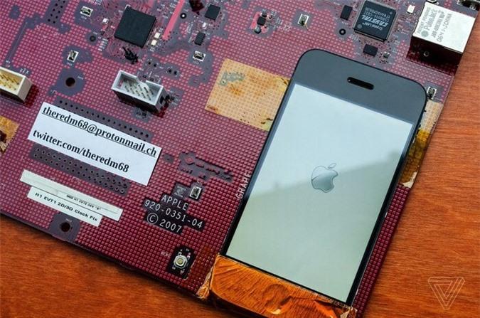 Cận cảnh nguyên mẫu đầu tiên của iPhone được thử nghiệm ảnh 01