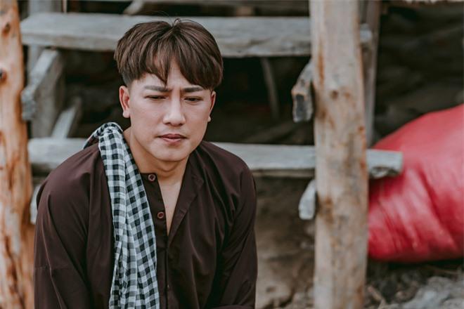 Châu Khải Phong: Chẳng ai dại bỏ tiền tỷ làm MV để khán giả quên mất bài hát của mình - Ảnh 5.