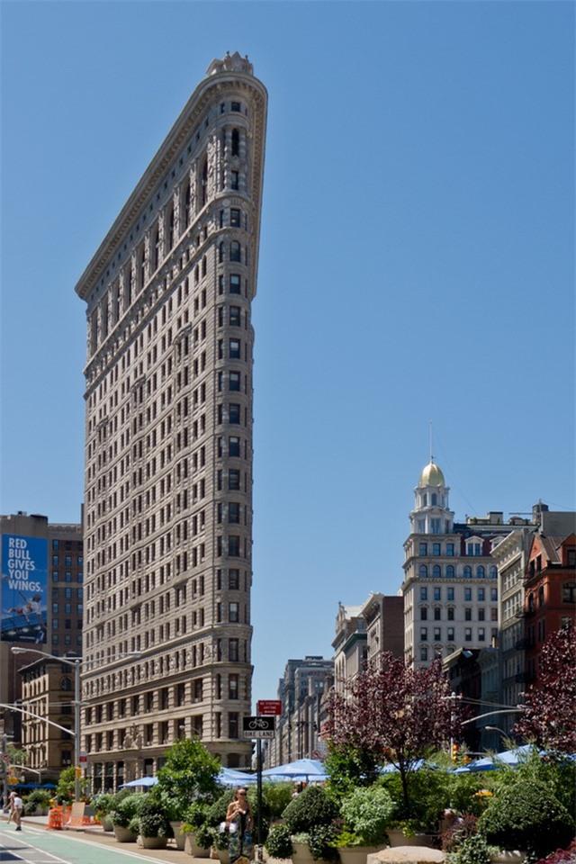 """Bất ngờ với những tòa nhà """"mỏng dính như tờ giấy"""" trên thế giới - 3"""
