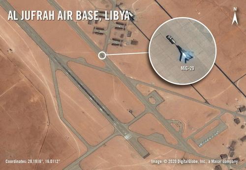Máy bay chiến đấu Nga đã có mặt tại căn cứ không quân Al-Jufra. Ảnh: Avia-pro.