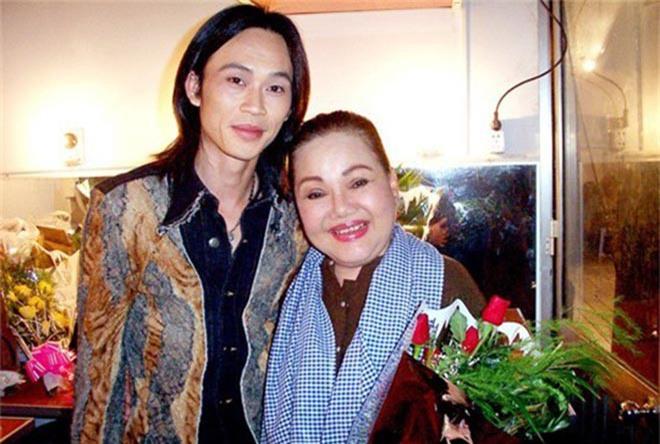 Hai người phụ nữ khiến danh hài Hoài Linh luôn kính nể trong showbiz - Ảnh 1.