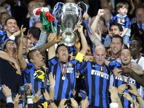 Inter ăn mừng chức vô địch