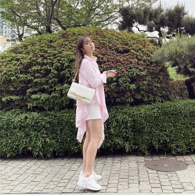 Lee Min Jung lên top Naver vì khoe ảnh đẹp yêu kiều ở tuổi 38, không còn bị so sánh với Song Hye Kyo - tình cũ một thời của ông xã nữa 1