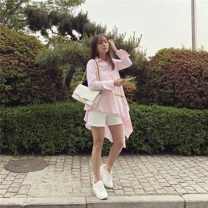 Lee Min Jung lên top Naver vì khoe ảnh đẹp yêu kiều ở tuổi 38, không còn bị so sánh với Song Hye Kyo - tình cũ một thời của ông xã nữa 0