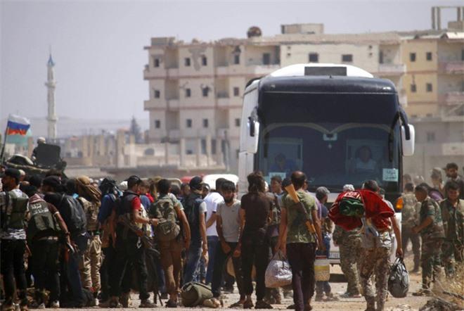 9 năm sau cuộc cách mạng, cơn thịnh nộ của Sư đoàn 4 VBCH sắp quét sạch tây nam Syria? - Ảnh 2.