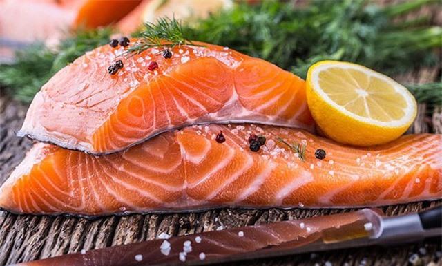Ăn cá phải mạnh dạn vứt bỏ bộ 3 phận này đi vì rất nguy hiểm cho sức khỏe - Ảnh 2.