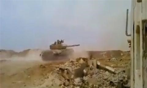 Don hiem khong ha guc duoc T-72 Syria