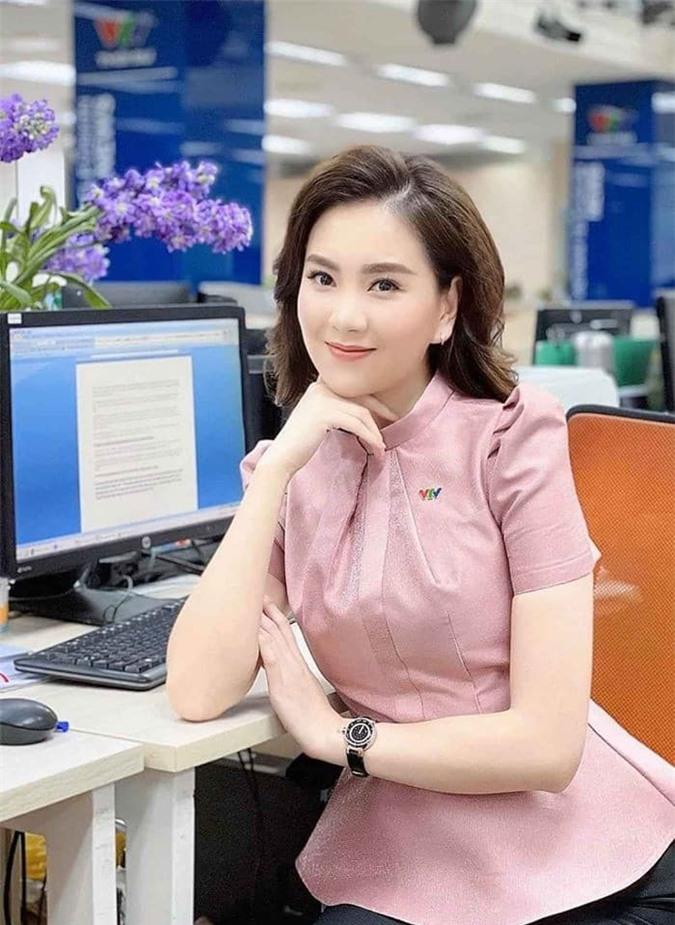 MC Mai Ngọc khiến dân mạng 'lác mắt' với hộp phụ kiện sương sương hàng trăm triệu 2
