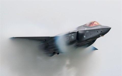 Tiem kich F-35 thieu linh kien, Tong thong Trump do loi cho ong Obama-Hinh-6