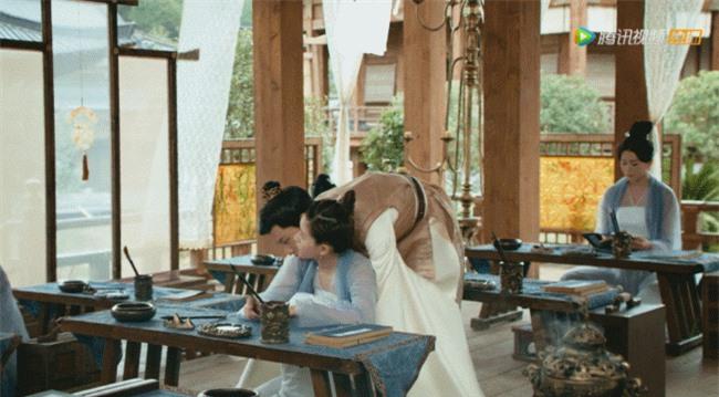 Rầm rộ là vậy nhưng Hạnh Phúc Trong Tầm Tay của Địch Lệ Nhiệt Ba lại thua toàn tập trước Tiểu Song Hye Kyo - Ảnh 12.