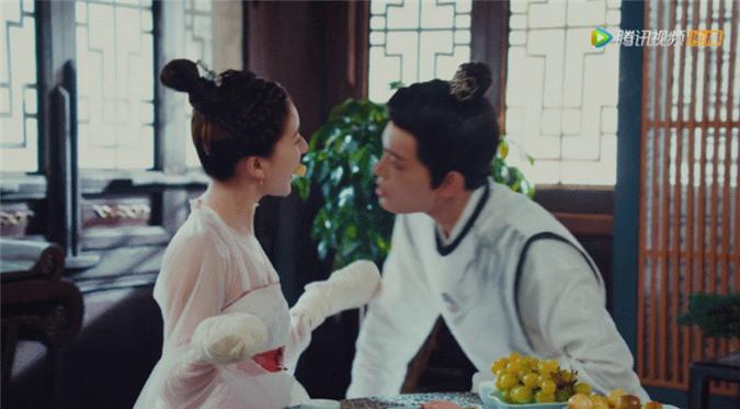 Rầm rộ là vậy nhưng Hạnh Phúc Trong Tầm Tay của Địch Lệ Nhiệt Ba lại thua toàn tập trước Tiểu Song Hye Kyo - Ảnh 13.