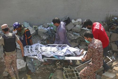 Số người tử vong và bị thương do vụ tai nạn máy bay vẫn chưa được xác định. (Ảnh: AP)