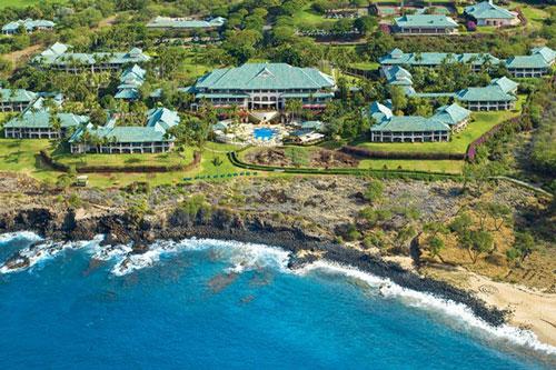 Lanai là một hòn đảo nhỏ thuộc quần đảo Hawaii với hơn 3.200 cư dân sinh sống. Năm 2012, tỷ phú Larry Ellison đã mua lại hòn đảo này với giá 300 triệu USD. Với số tiền đó, ông sở hữu 98% hòn đảo, 2 khu nghỉ dưỡng bốn mùa và một khách sạn tại đây. Ảnh: Beam.